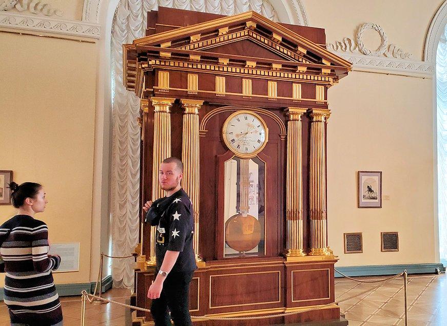 エルミタージュ美術館内にあった大きな時計