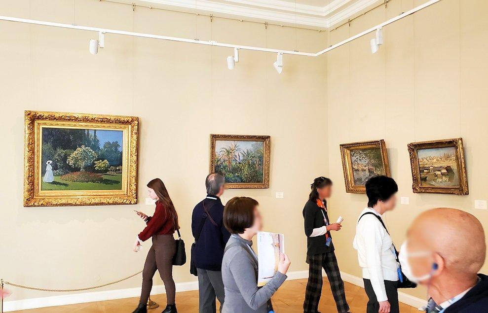 エルミタージュ美術館新館の4階に登って作品を鑑賞