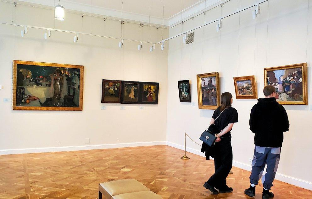 エルミタージュ新館の絵画を見て回る