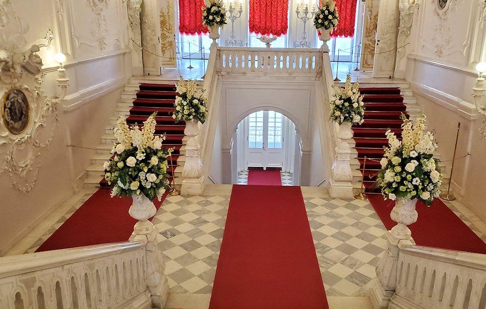 エカテリーナ宮殿の2階階段部分の内装-2