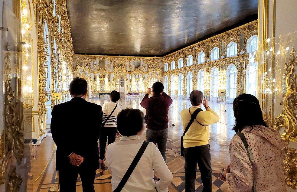 エカテリーナ宮殿の2階の「大広間」に入る
