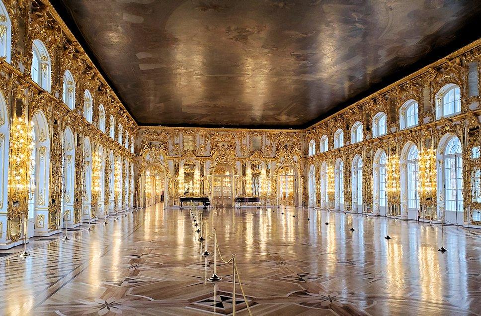 エカテリーナ宮殿の2階の「大広間」