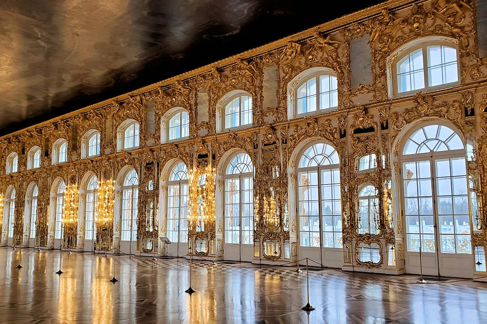エカテリーナ宮殿の2階の「大広間」-1