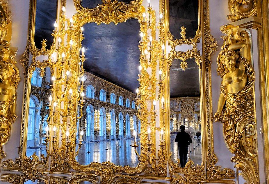 エカテリーナ宮殿の2階の「大広間」-3
