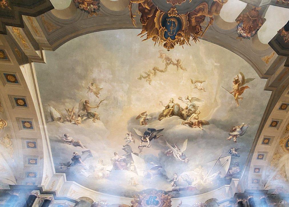 エカテリーナ宮殿の大広間の天井画-1