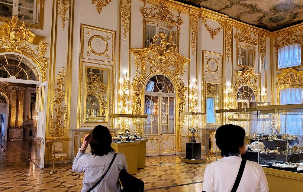 エカテリーナ宮殿の「第一控えの間」の美しい内装
