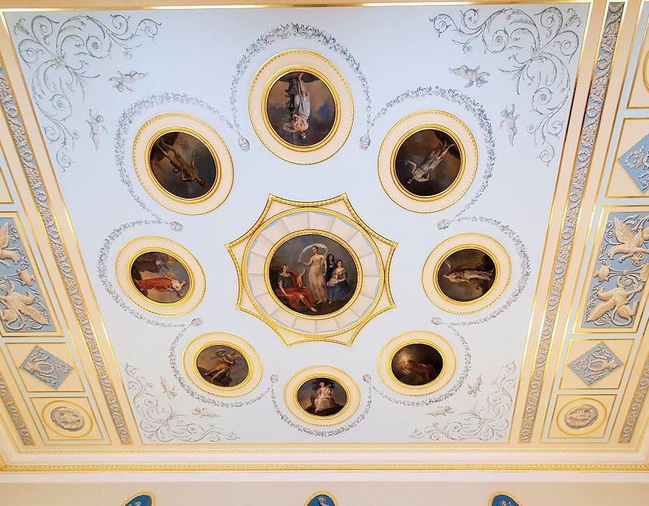 エカテリーナ宮殿の「アラベスクの間」の天井