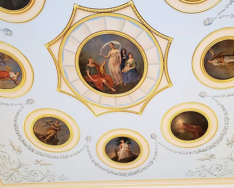 エカテリーナ宮殿の「アラベスクの間」の天井-1