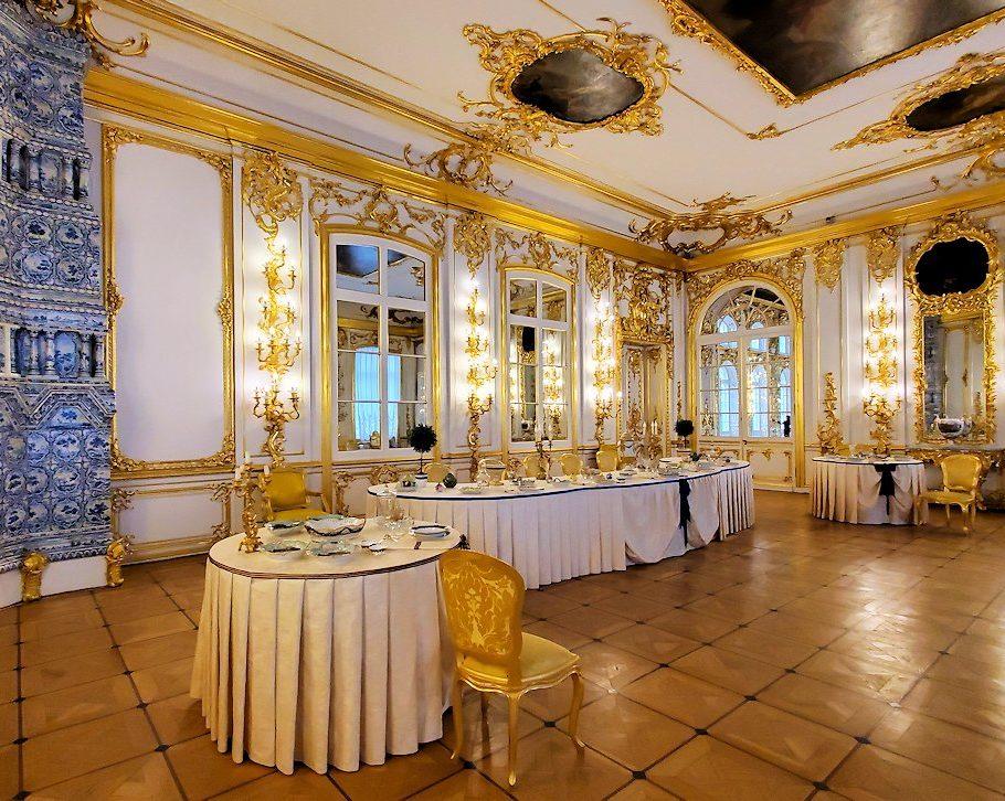 エカテリーナ宮殿の「騎士の食堂の間」の内装