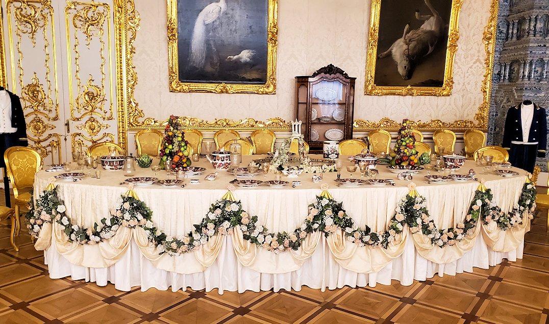 エカテリーナ宮殿の「白の主食堂」の内装