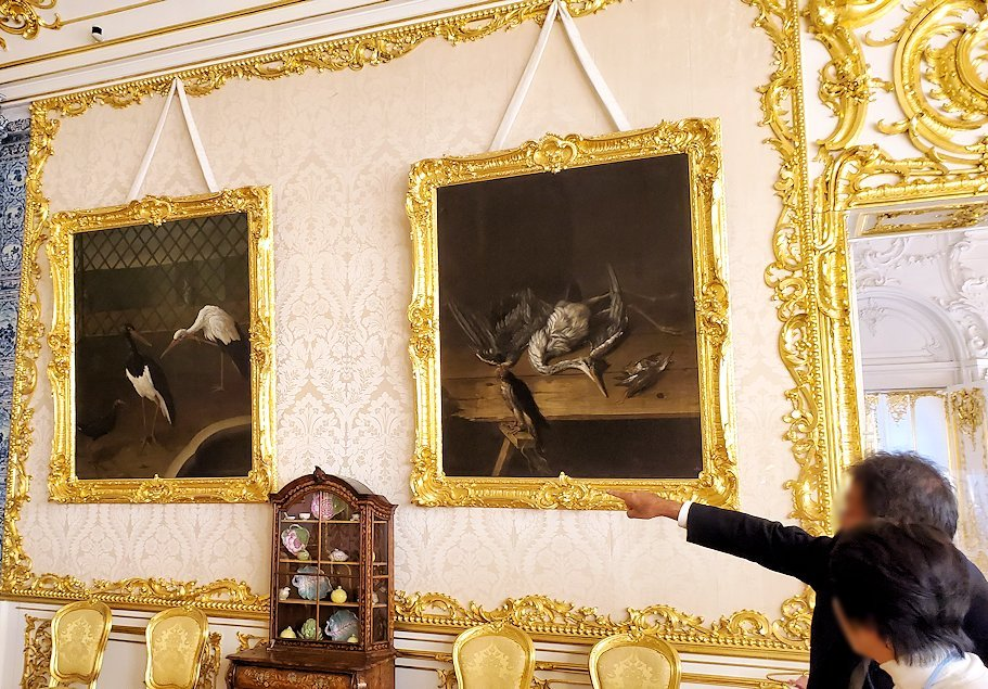 エカテリーナ宮殿の「白の主食堂」の壁に飾られていた絵画
