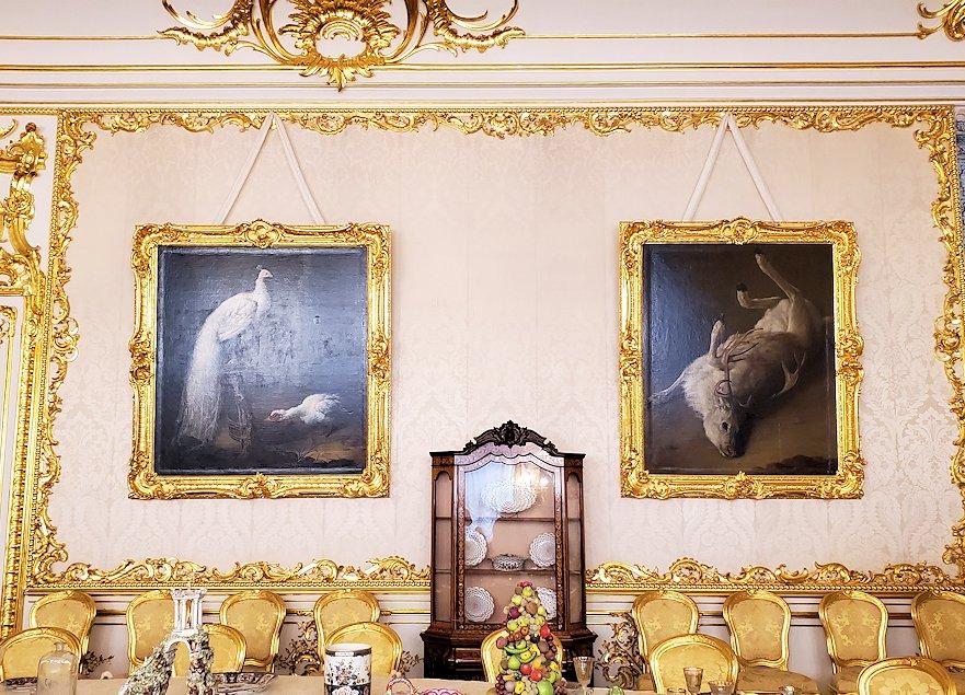 エカテリーナ宮殿の「白の主食堂」の壁に飾られていた絵画-1