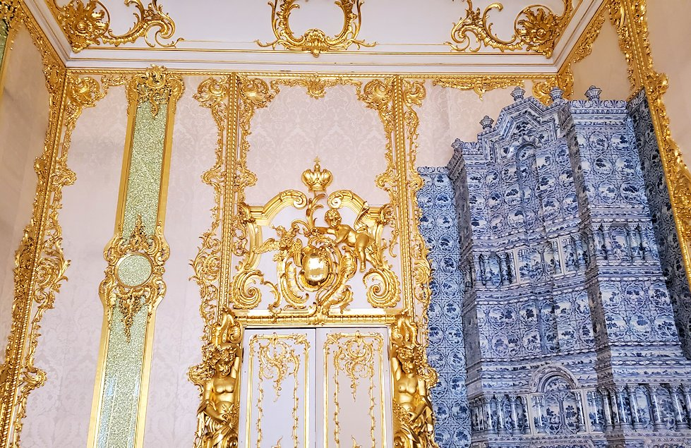 エカテリーナ宮殿でも食堂だったお部屋の内装-1