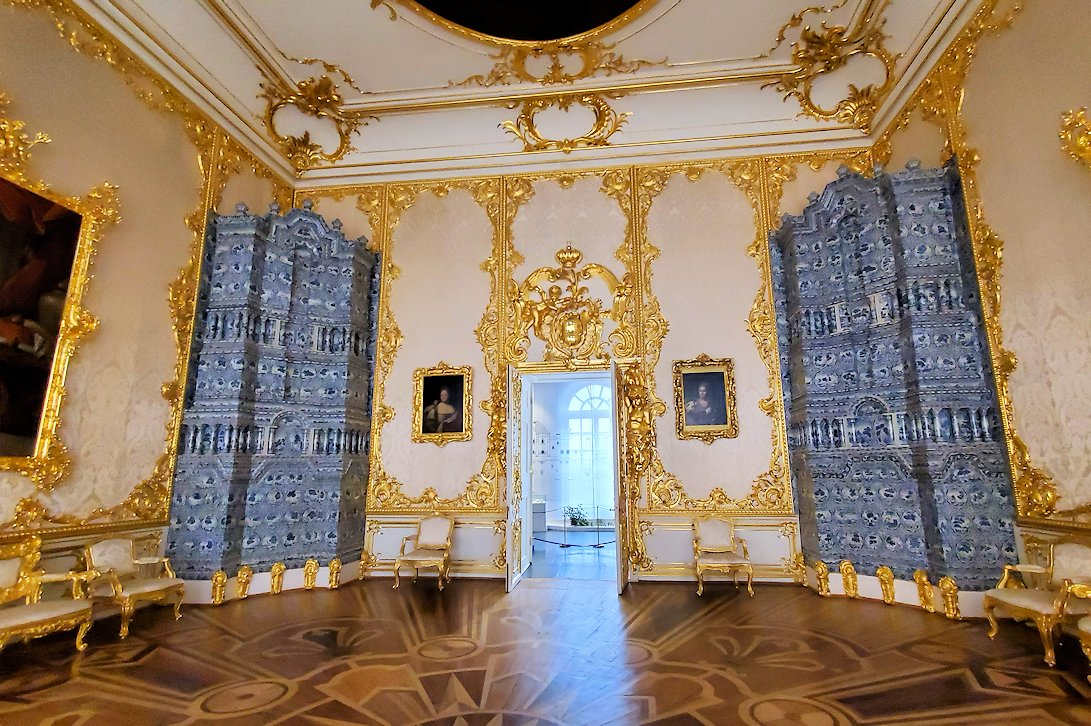 エカテリーナ宮殿で「肖像画の間」を訪れる-2