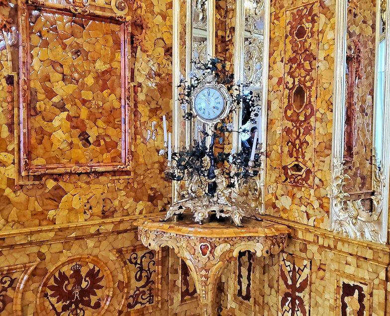 エカテリーナ宮殿で最も豪華な「琥珀の間」の内装-3