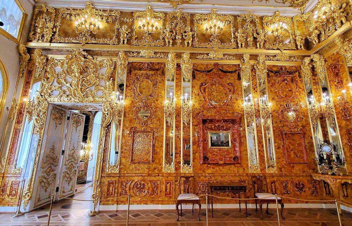 エカテリーナ宮殿で最も豪華な「琥珀の間」を独占見学-2