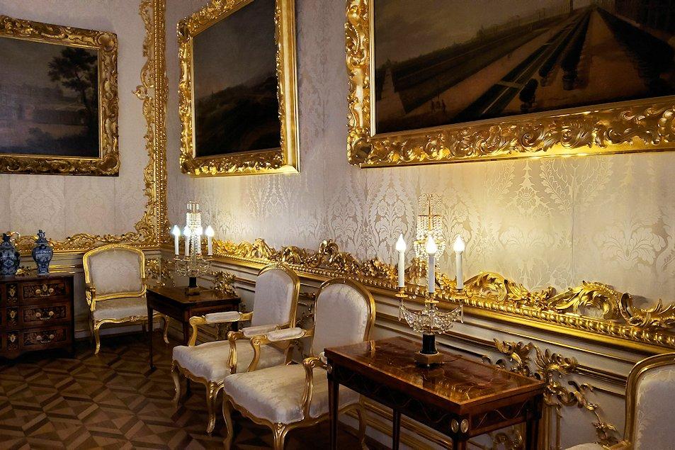 エカテリーナ宮殿の「小・白の食堂」