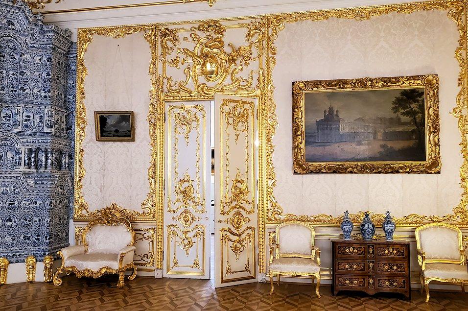 エカテリーナ宮殿の「小・白の食堂」-1