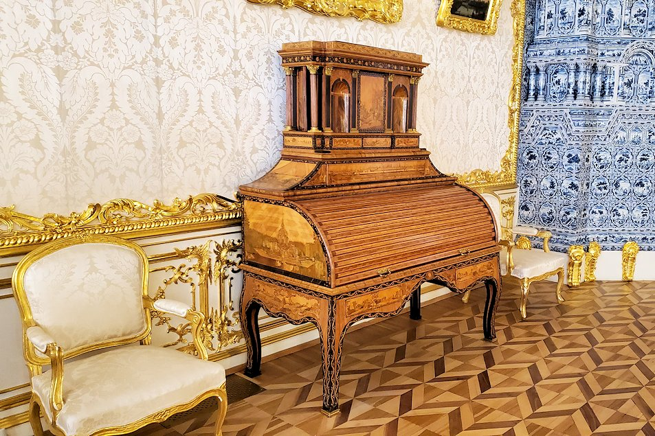 エカテリーナ宮殿内の豪華な装飾品