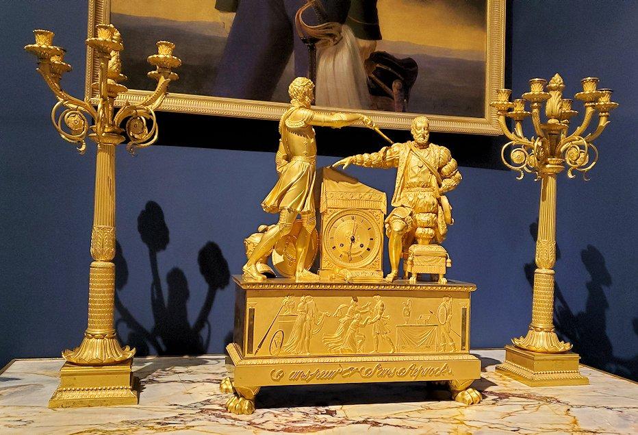 エカテリーナ宮殿にある、豪華な置時計