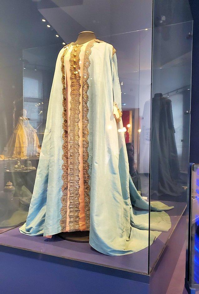 エカテリーナ宮殿に飾られている、皇帝達の着ていた衣類-1