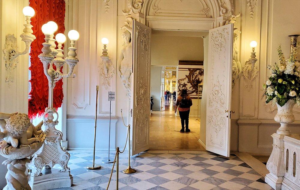 エカテリーナ宮殿内の見学は終了