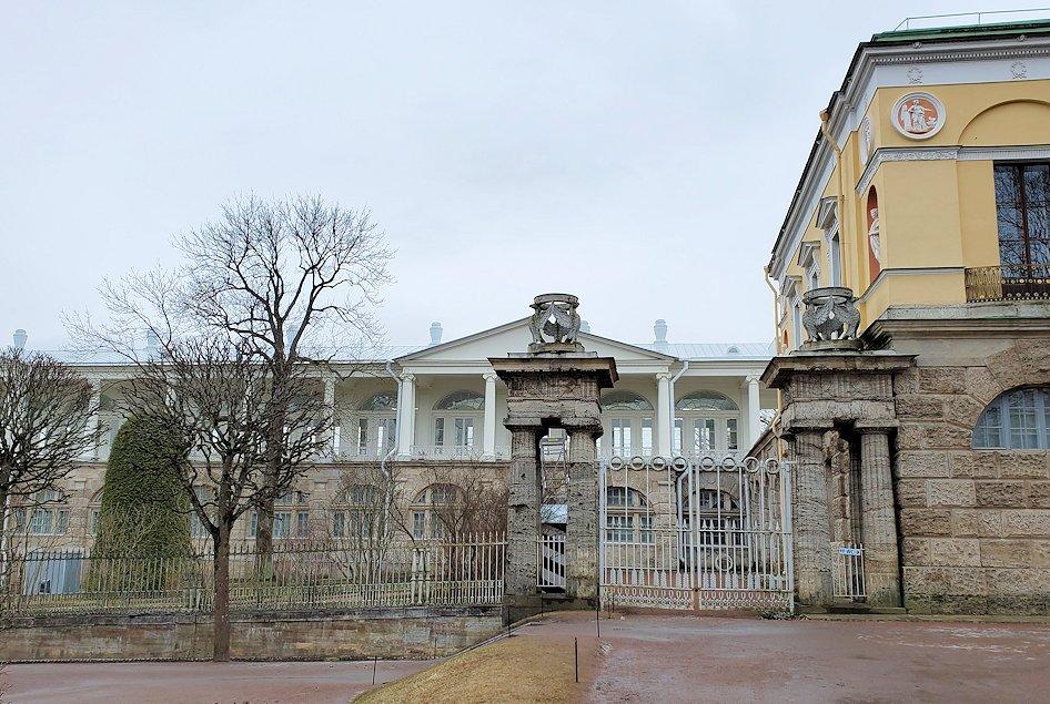 エカテリーナ宮殿から外に出る