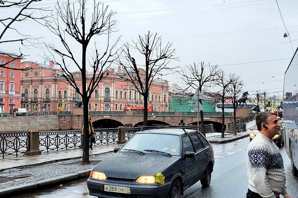 エカテリーナ宮殿からサンクトペテルブルク市内へと向かう-1