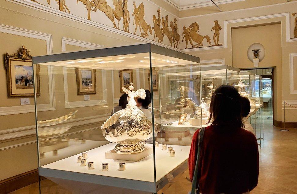 ファベルジェ博物館の中へと進む