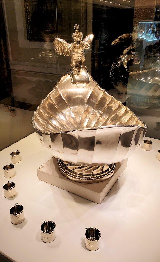 ファベルジェ博物館にあったウォッカを飲むコップと器