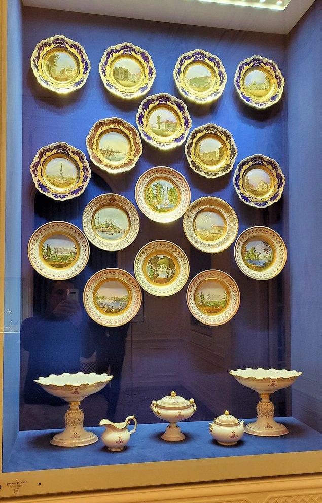 ファベルジェ博物館に展示されている豪華なお皿-1