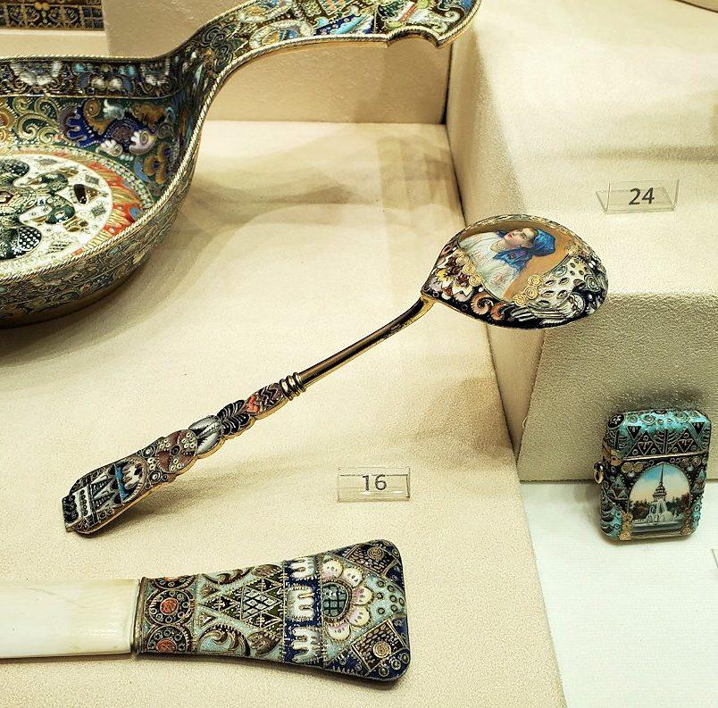 ファベルジェ博物館に展示されている豪華なスプーン