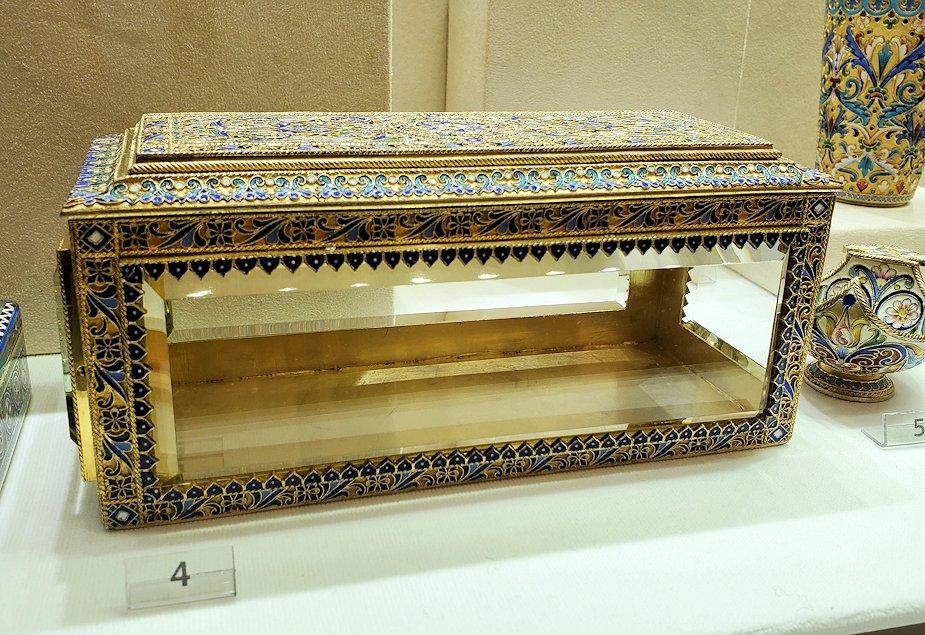 ファベルジェ博物館に展示されている豪華な入れ物
