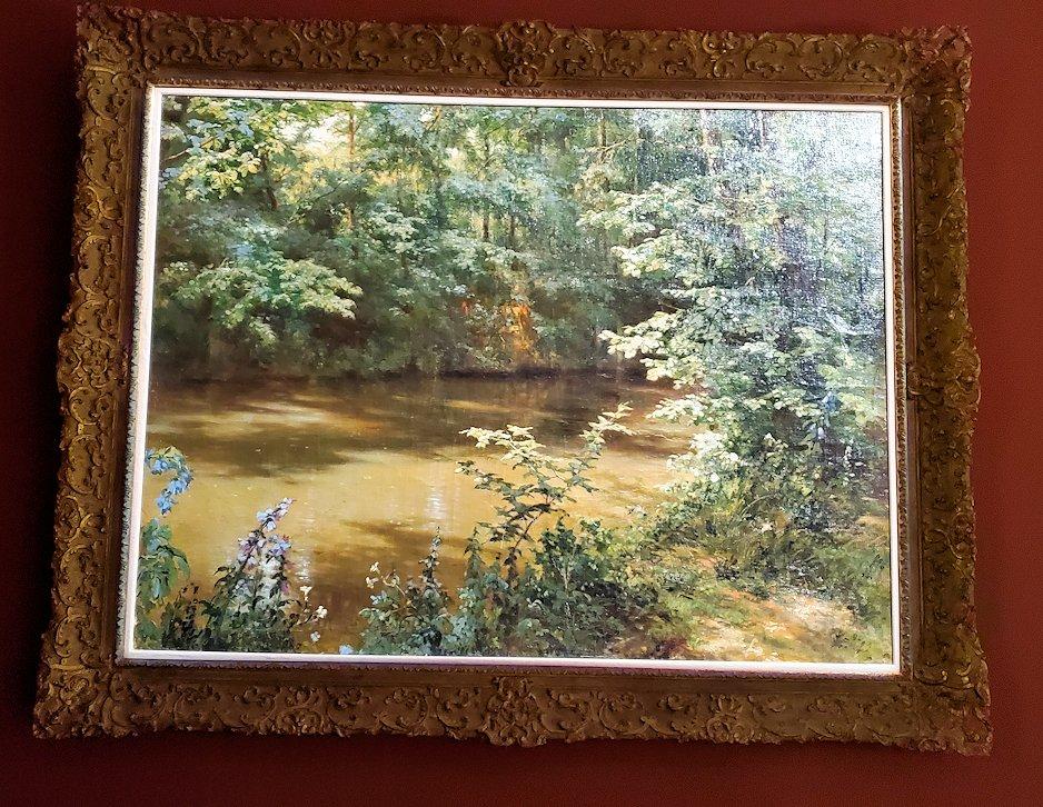 ファベルジェ博物館にある絵画ルームに展示されている絵画作品-1