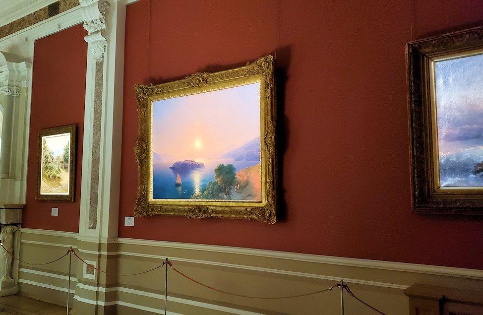 ファベルジェ博物館にある絵画ルームに展示されているイヴァン・アイヴァゾフスキーの絵画