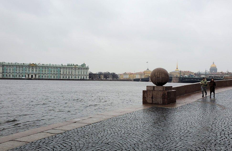 サンクトペテルブルク市内のネヴァ川