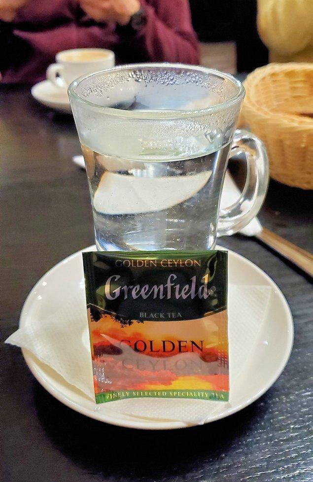 サンクトペテルブルク市内の【スタルゴロド】で飲んだ食後の紅茶