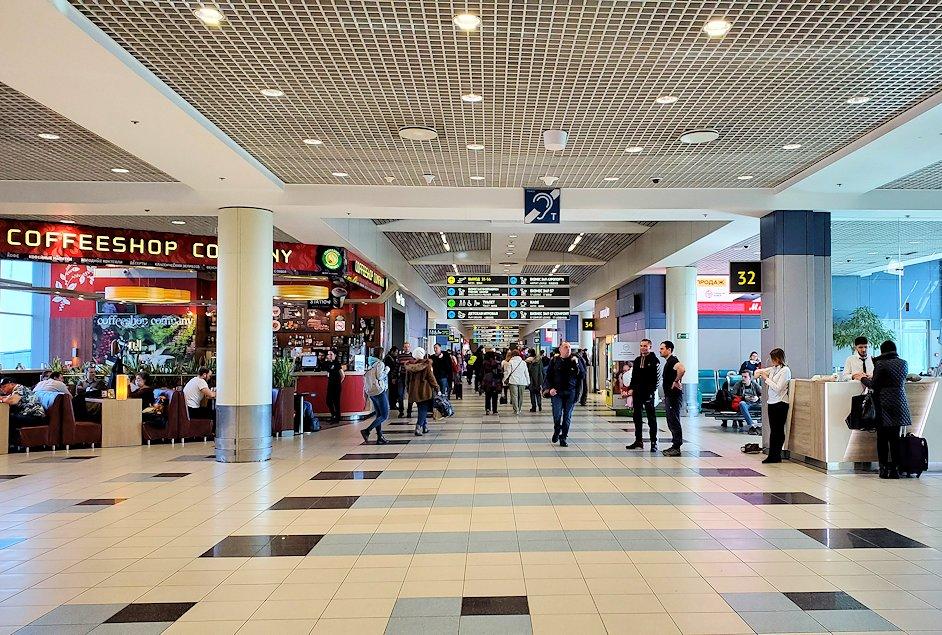 モスクワのドモジェドボ国際空港内
