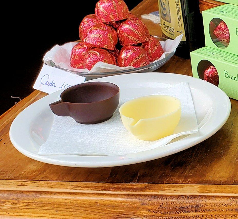 ポルトガルのオビドスという街名物のジンジャーニというお酒を飲む為のチョコレートカップ