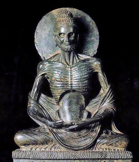 断食してやせこける仏陀