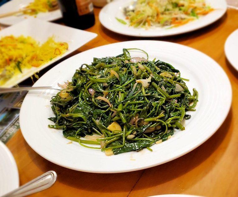 レストランの「SAKURA(さくら)」で出てきた空芯菜