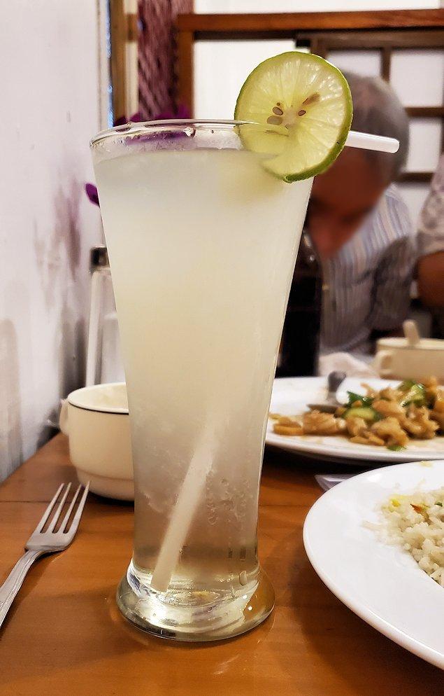 レストランの「SAKURA(さくら)」で注文したライムジュース