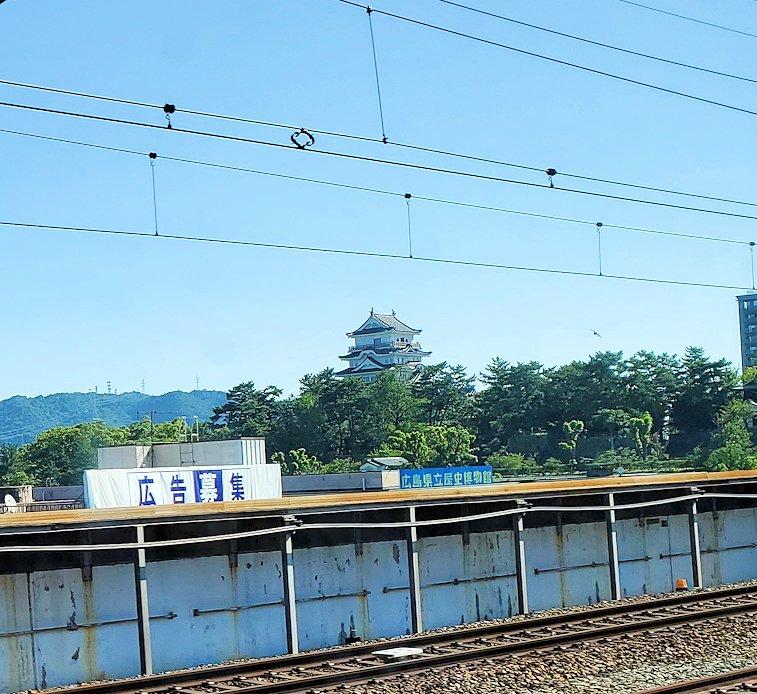 新大阪から北九州へ向かう新幹線の車内から見えた景色-1