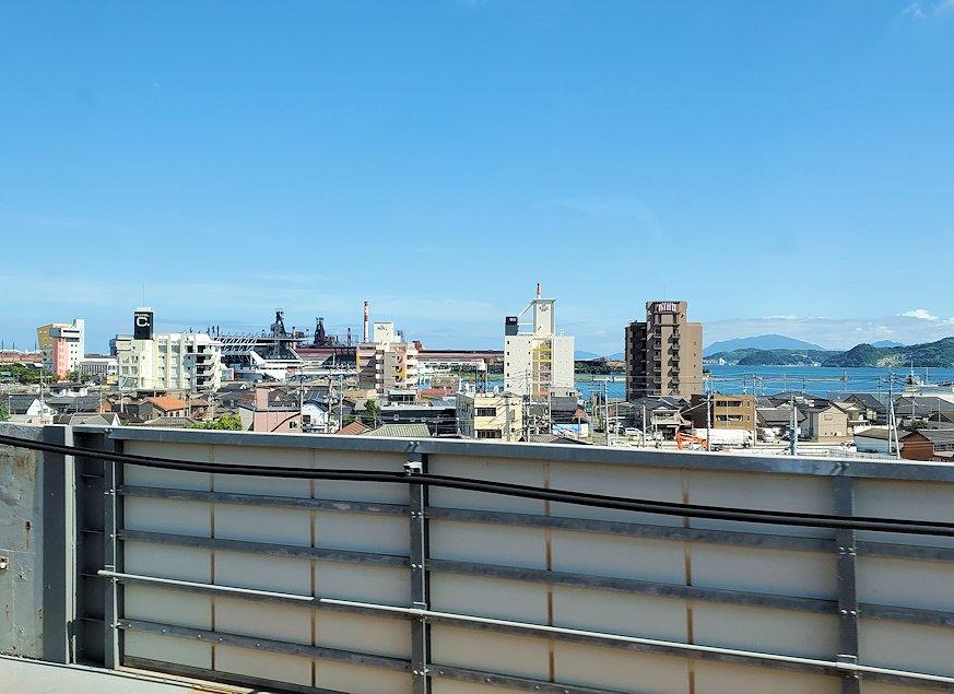 新大阪から北九州へ向かう新幹線の車内から見えた景色-2