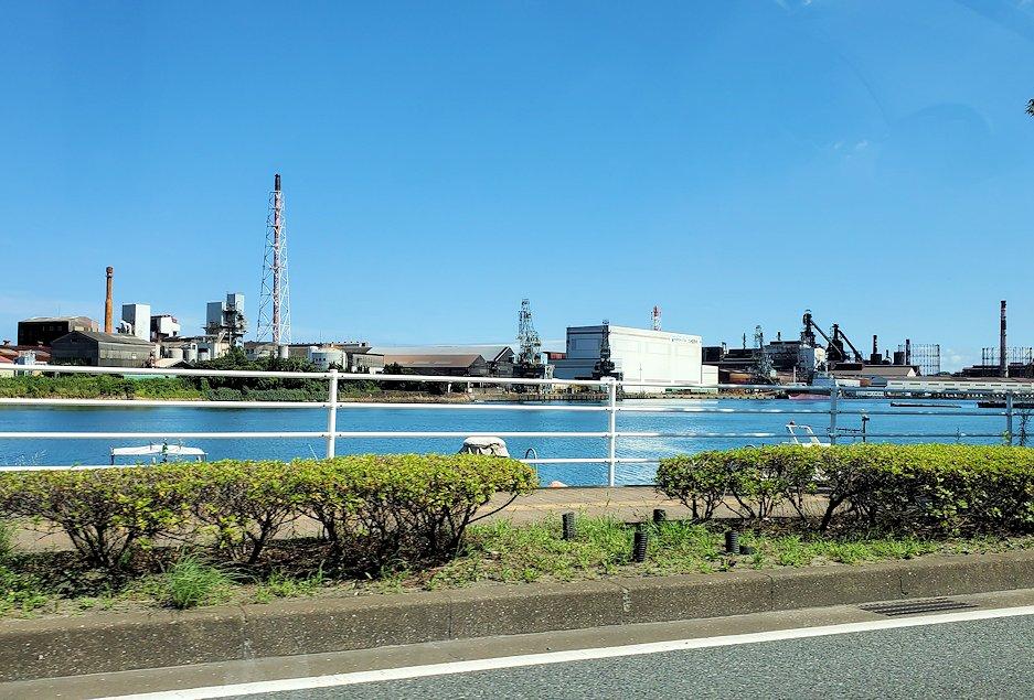北九州市小倉駅から、門司港付近へと向かう車の中から見えた景色-2