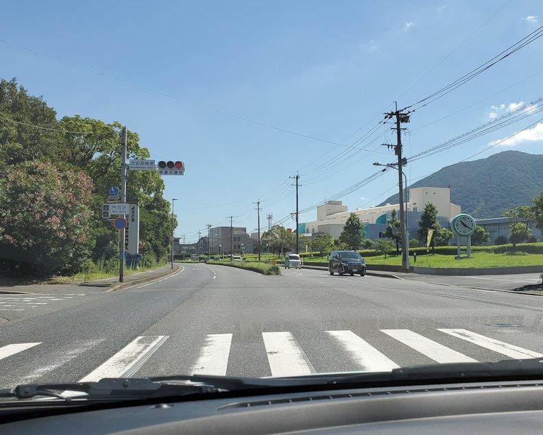 北九州市小倉駅から、門司港付近へと向かう車の中から見えた景色-5