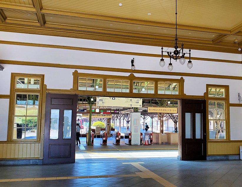 北九州市門司港にある、「門司港」駅の構内写真