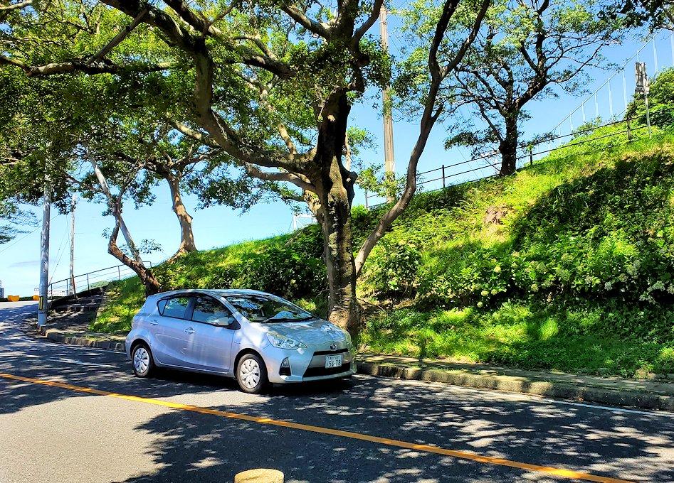 北九州市門司港から更に北に向かい、和布刈神社の鳥居をくぐって先に進んだ駐車場にあるノーフォーク広場から進む